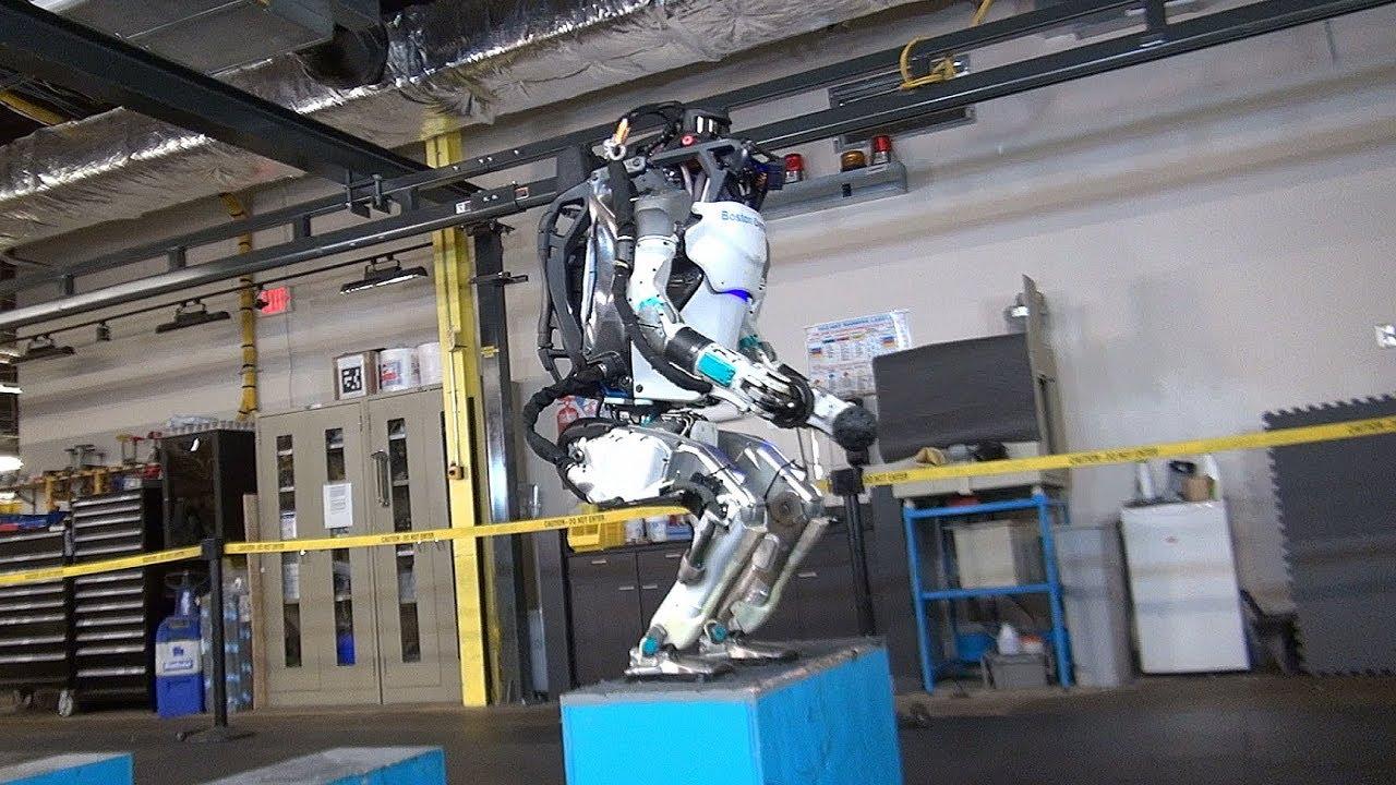 人間のようにヌルヌル動くロボットの動画が公開される…[海外の反応]